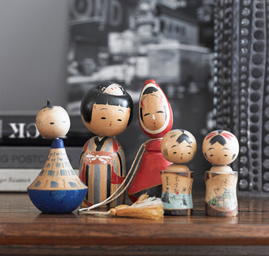 westwing-japanese-lucky-charm-kokeshi-dolls