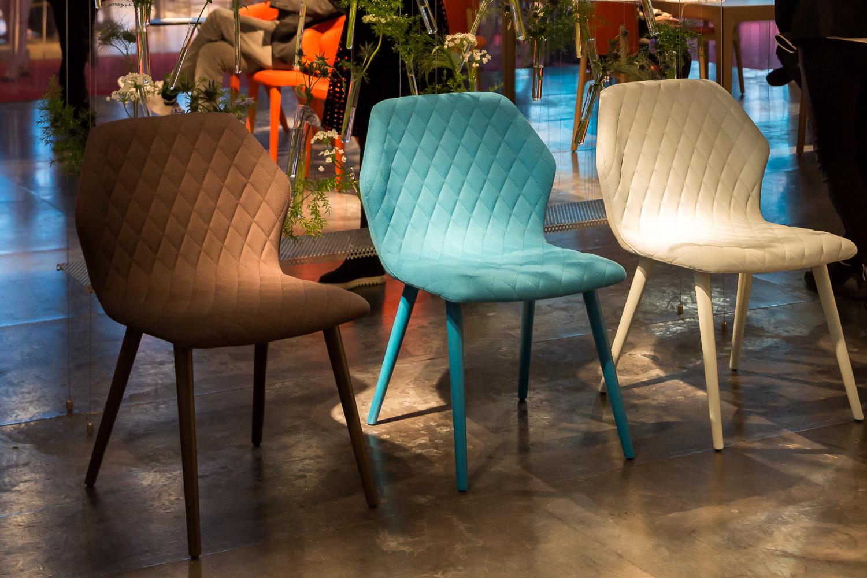 westwing-salone-del-mobile-drei-designer-stühle