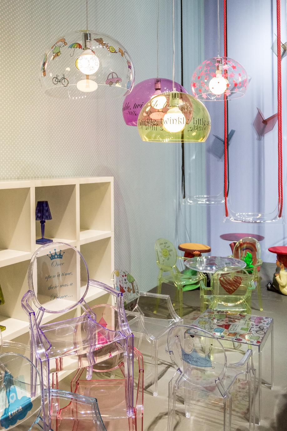 westwing-salone-del-mobile-glasstuhl-lila
