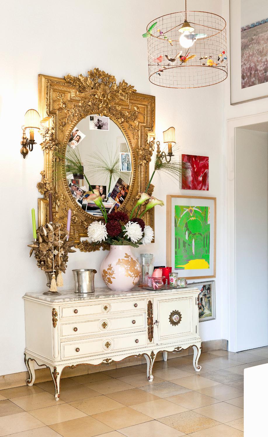 westwing-phantasie-zuhause-spiegel-gold