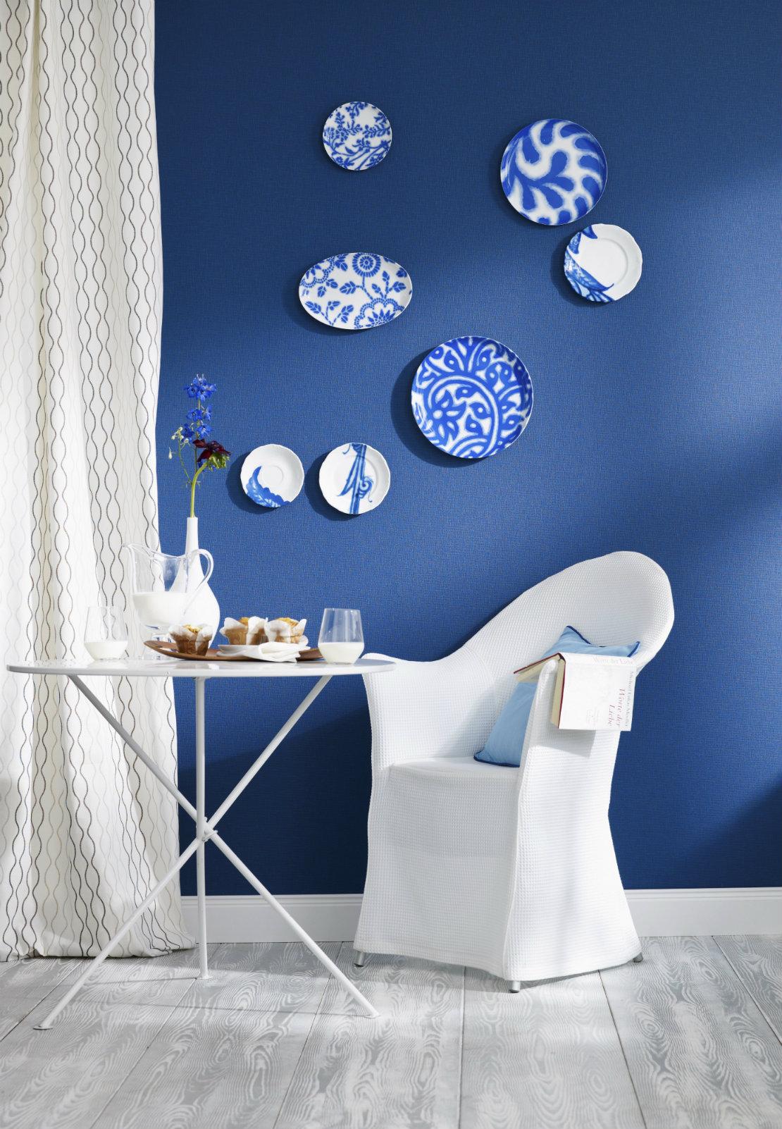blau-wohnzimmer-stuhl