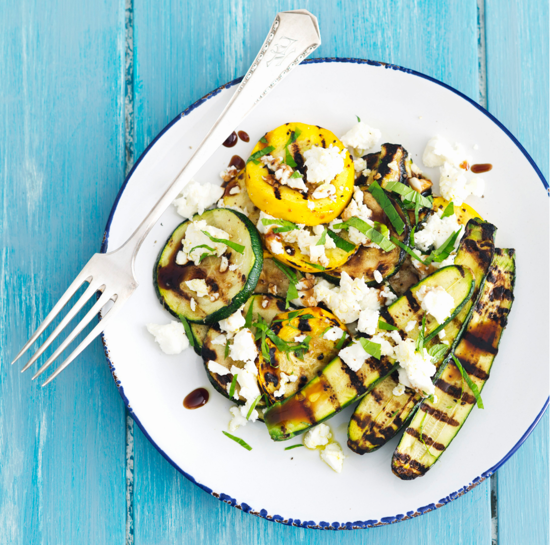 westwing-sommer-rezepte-zucchini-mit-feta