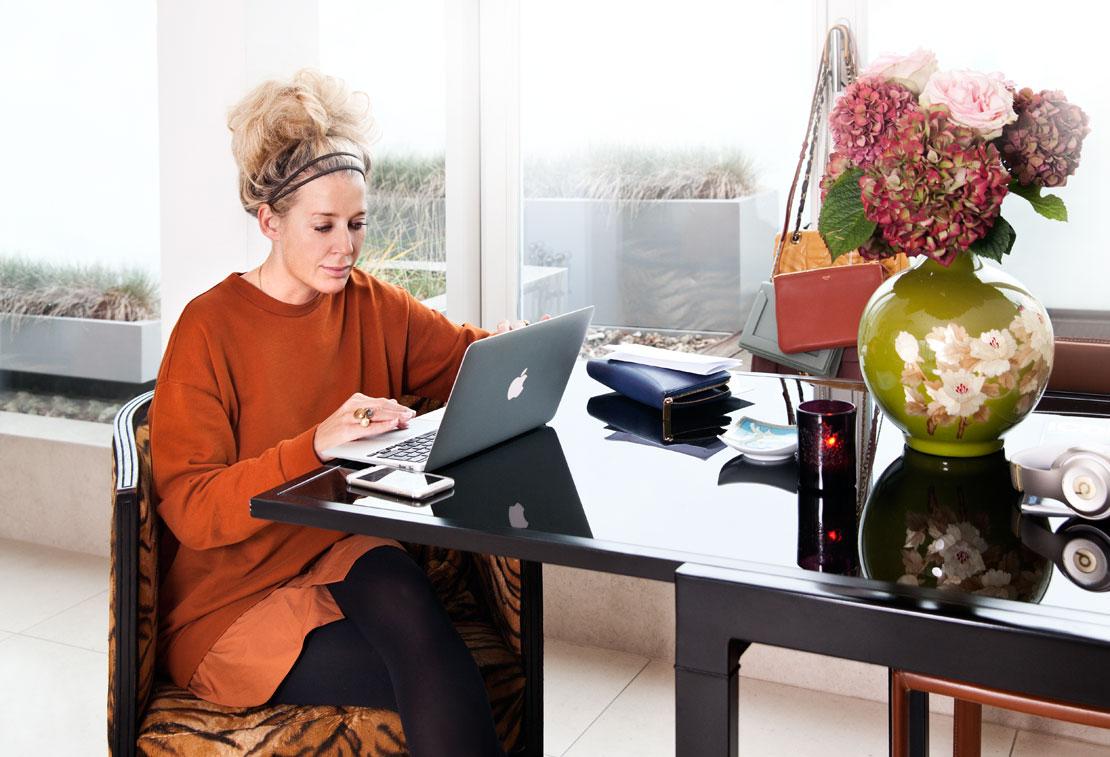 Westwing-Magazin-Hausbesuch-Ala-Zander-Laptop-Tisch