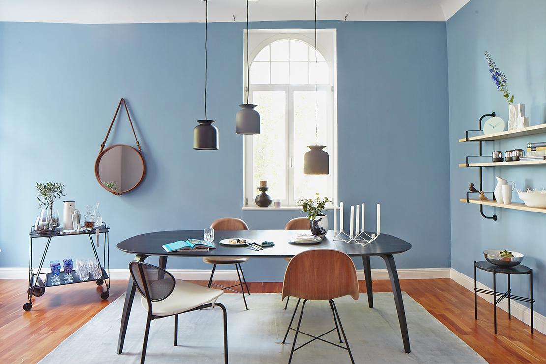 Wohnzimmer-Gubi-Chairs