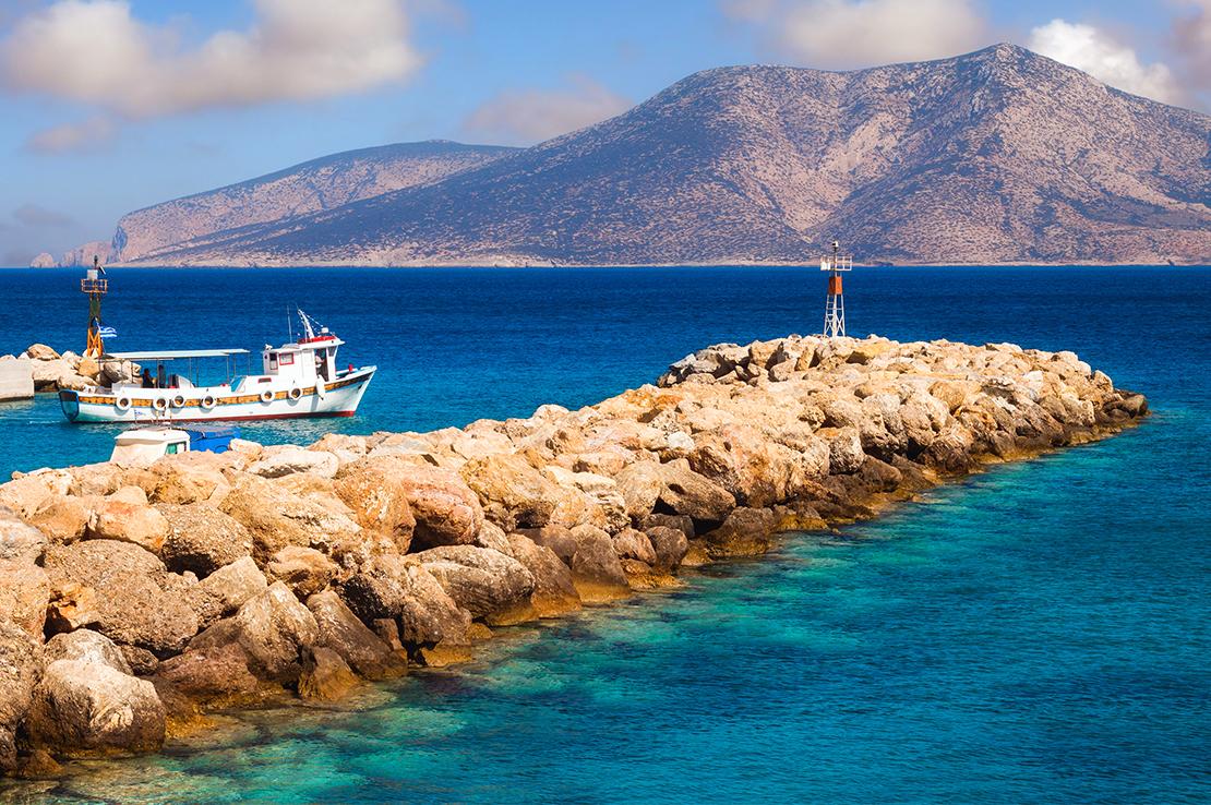 griechenland-meer-mit-boot
