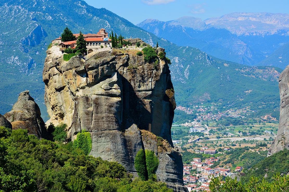 griechenland-kloster-auf-fels