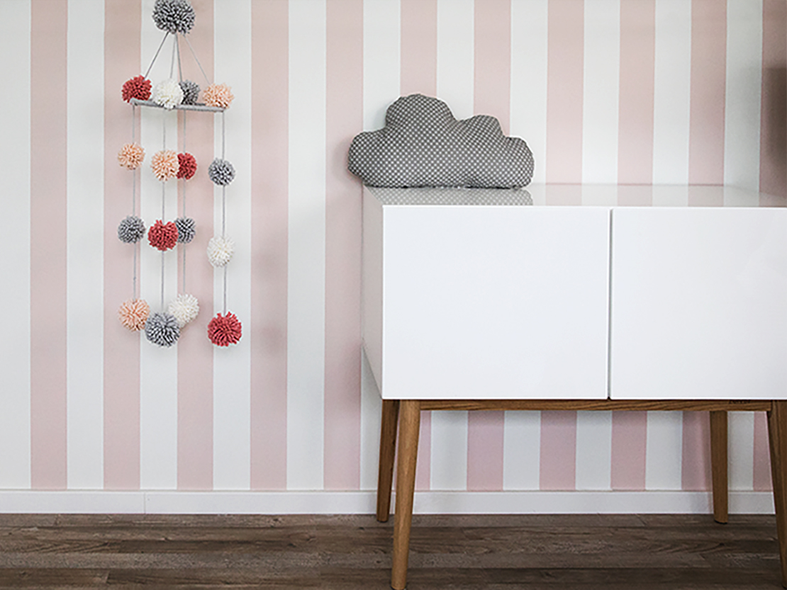 pom pom mobile f rs kinderzimmer westwing magazin. Black Bedroom Furniture Sets. Home Design Ideas