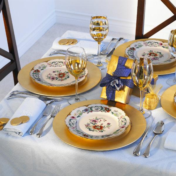 Decorar con dorado la mesa