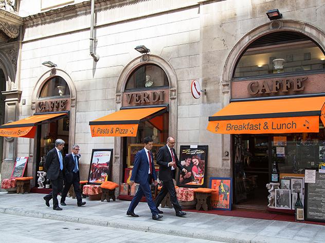 Caffè Verdi de Milán, local histórico de la ciudad.