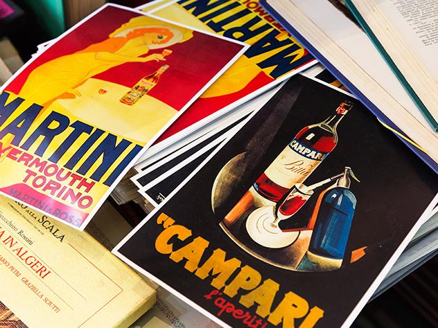 Ilustraciones vintage originales en el Caffè Verdi.