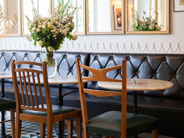 El diseñador de moda Allix Thomsen ha co-diseñado la decoración del Hotel du Temps.