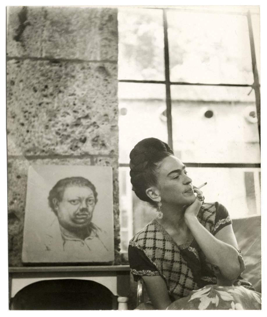 westwing-frida-kahlo-perfil-foto-riverafondo