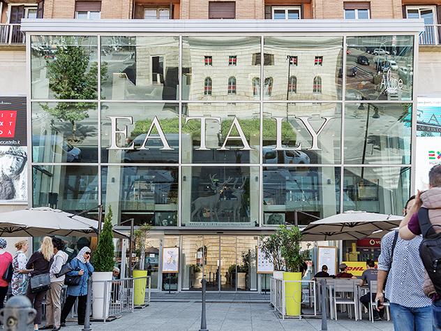 Entrada de la concept store Eataly.