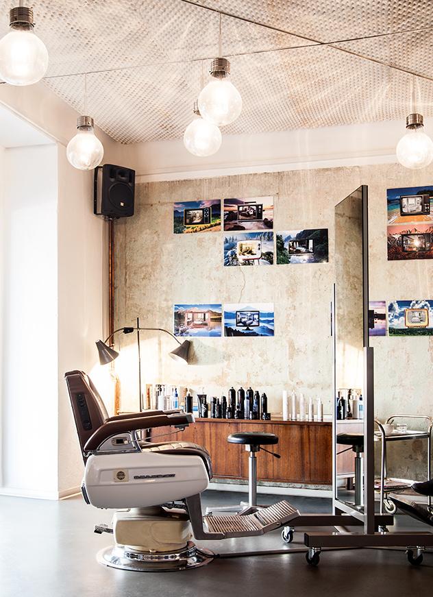 En la peluquería Montoya se respira una atmósfera cool y relajada.