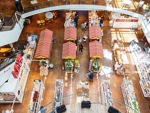 Interior de la concept store Eataly.