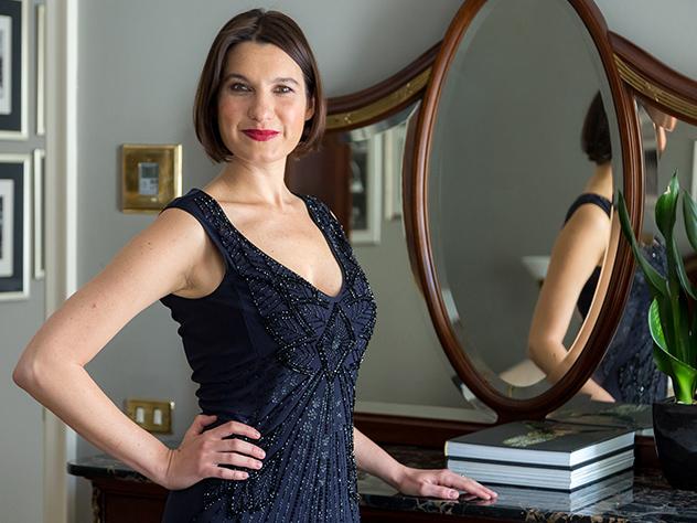 Margot Zanni posando en el Grand Hotel et De Milán.