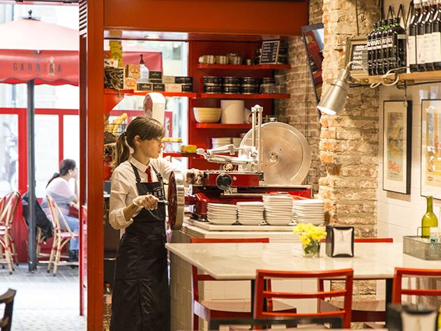La Cuina den Garriga es un pequeño restaurante con aire afrancesado