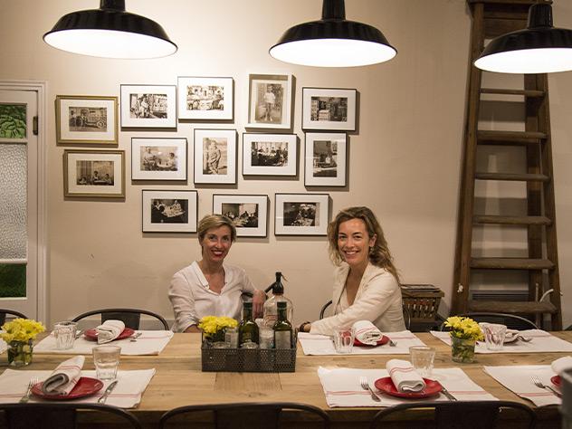 Su propietaria, Elena Garriga, lo abrió como tienda de embutido y exquisiteces