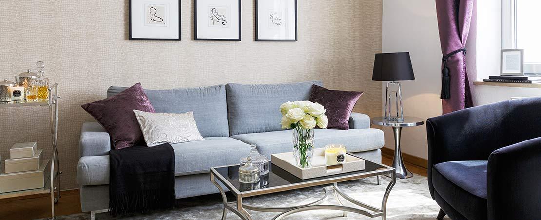 Cuatro estilos para decorar el sal n westwing magazine for Decoracion salon con sofa gris