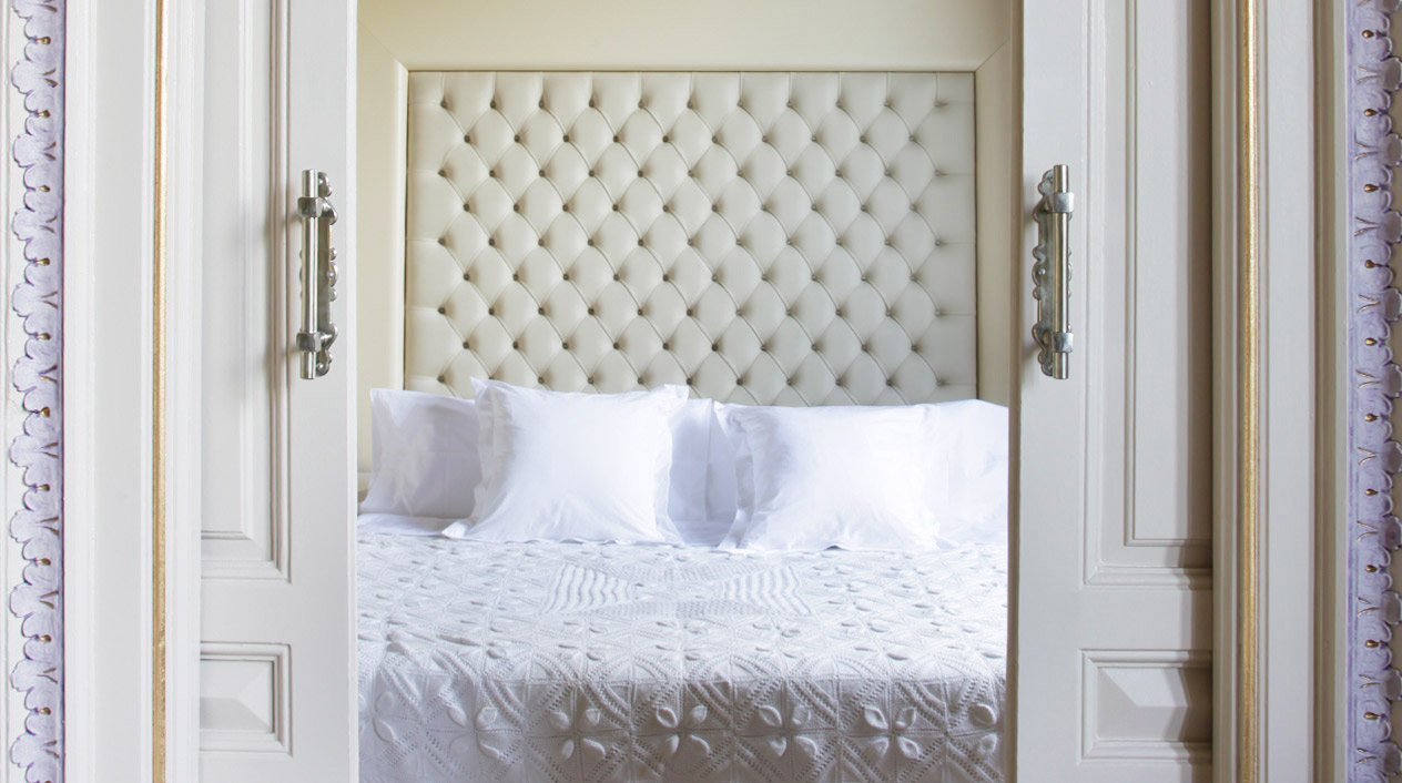 Todas las camas del hotel boutique cuentan con sábanas de algodón egipcio.