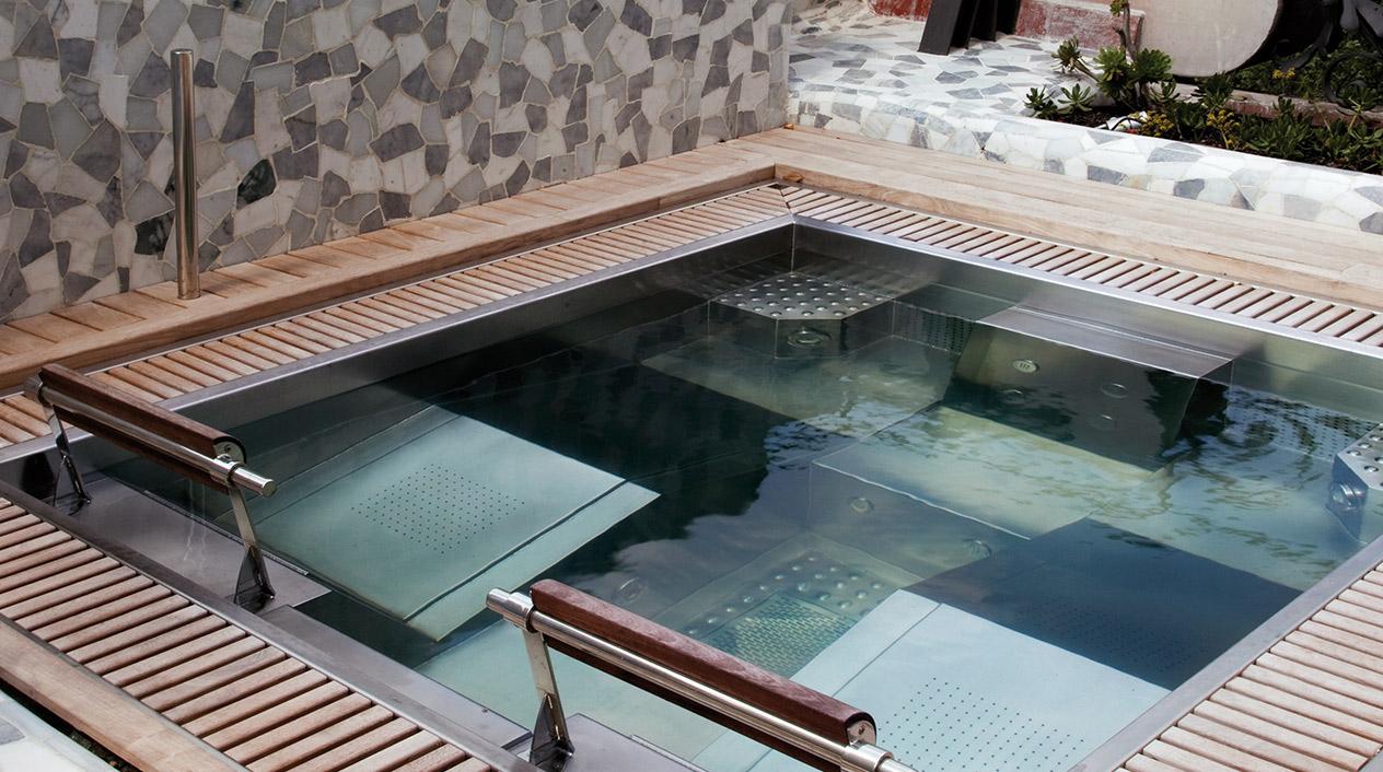 Una de las terrazas goza de camas de agua, sauna, hidromasaje y sala de masajes.
