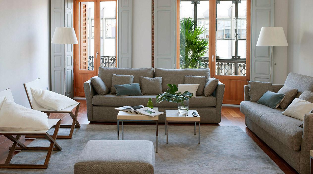 Los apartamentos de Eric Vökel fusionan con maestría la funcionalidad y belleza del diseño nórdico con la creatividad y la espontaneidad del estilo mediterráneo.