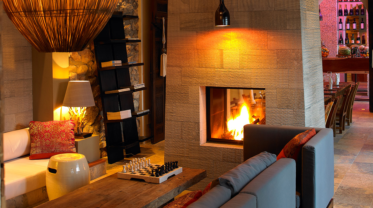 The Giri Residence es un pequeño hotel boutique, situado en el norte de Ibiza, con cinco exclusivas suites de ambiente cálido y acogedor.