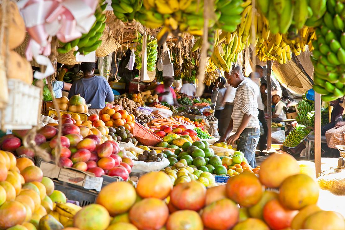Mercado de frutas en Kenia