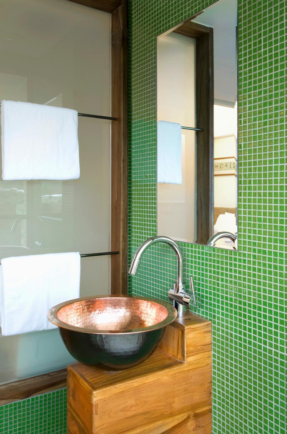 si tienes capricho de disfrutar no solo de la imagen del agua sino tambin del sonido que hace al rebotar con la superficie elige un lavabo de acero o de - Lavabos Originales