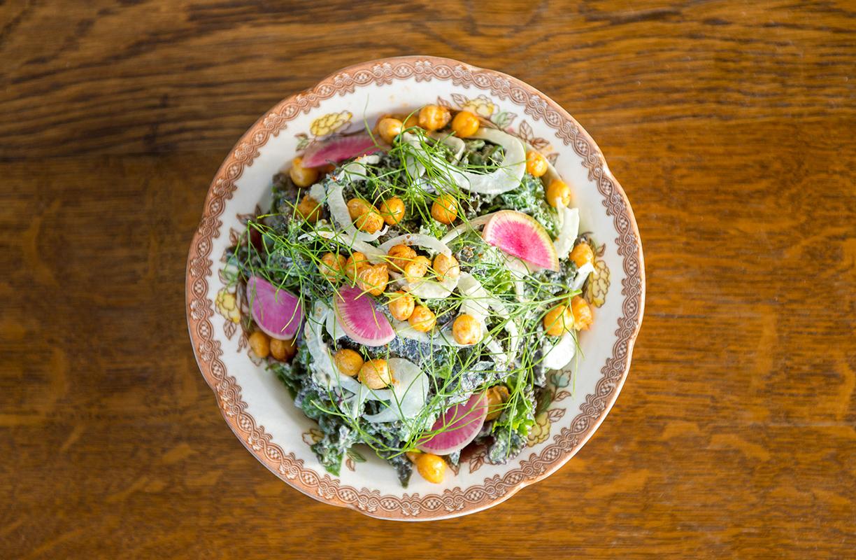 Los productos frescos y de temporada son las grandes estrellas del menú del restaurante del hostal