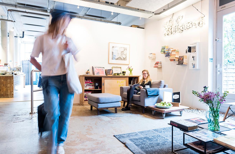 Cálidos y con personalidad, así son los distintos ambientes de este hostal situado en el centro de Ámsterdam