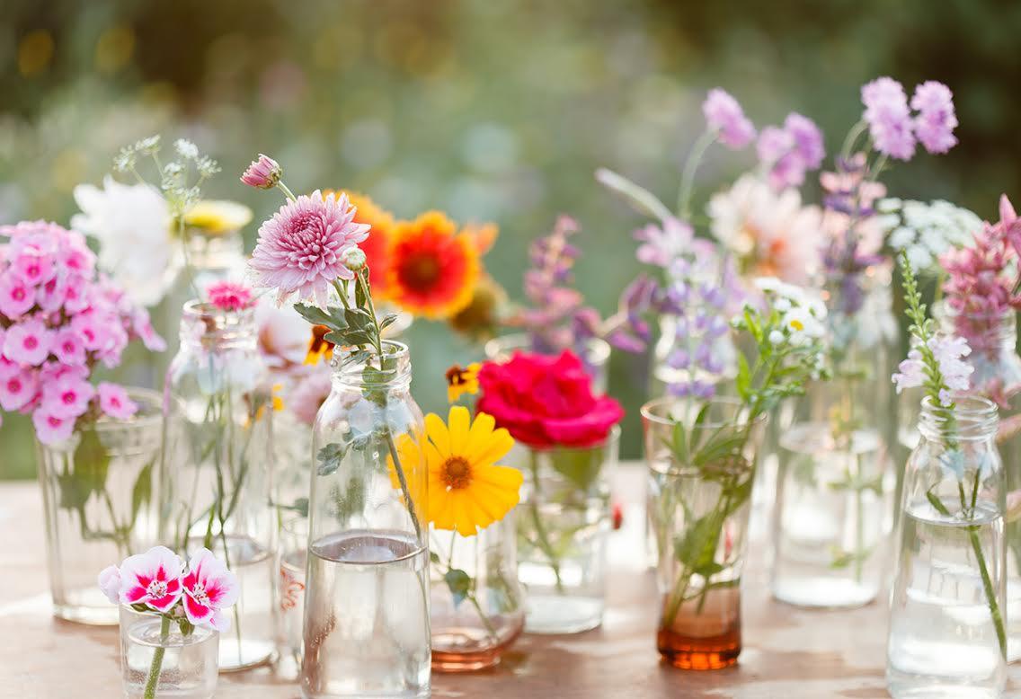 Juegos florales westwing magazine for Arreglo de sala de casa
