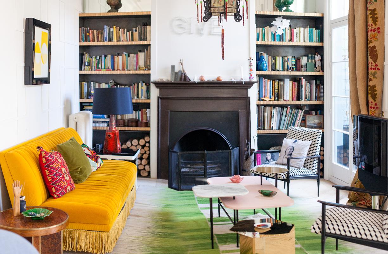 El interiorista Pepe Leal apuesta en su casa madrileña por el mestizaje y una decoración donde el eclecticismo rebosa personalidad.
