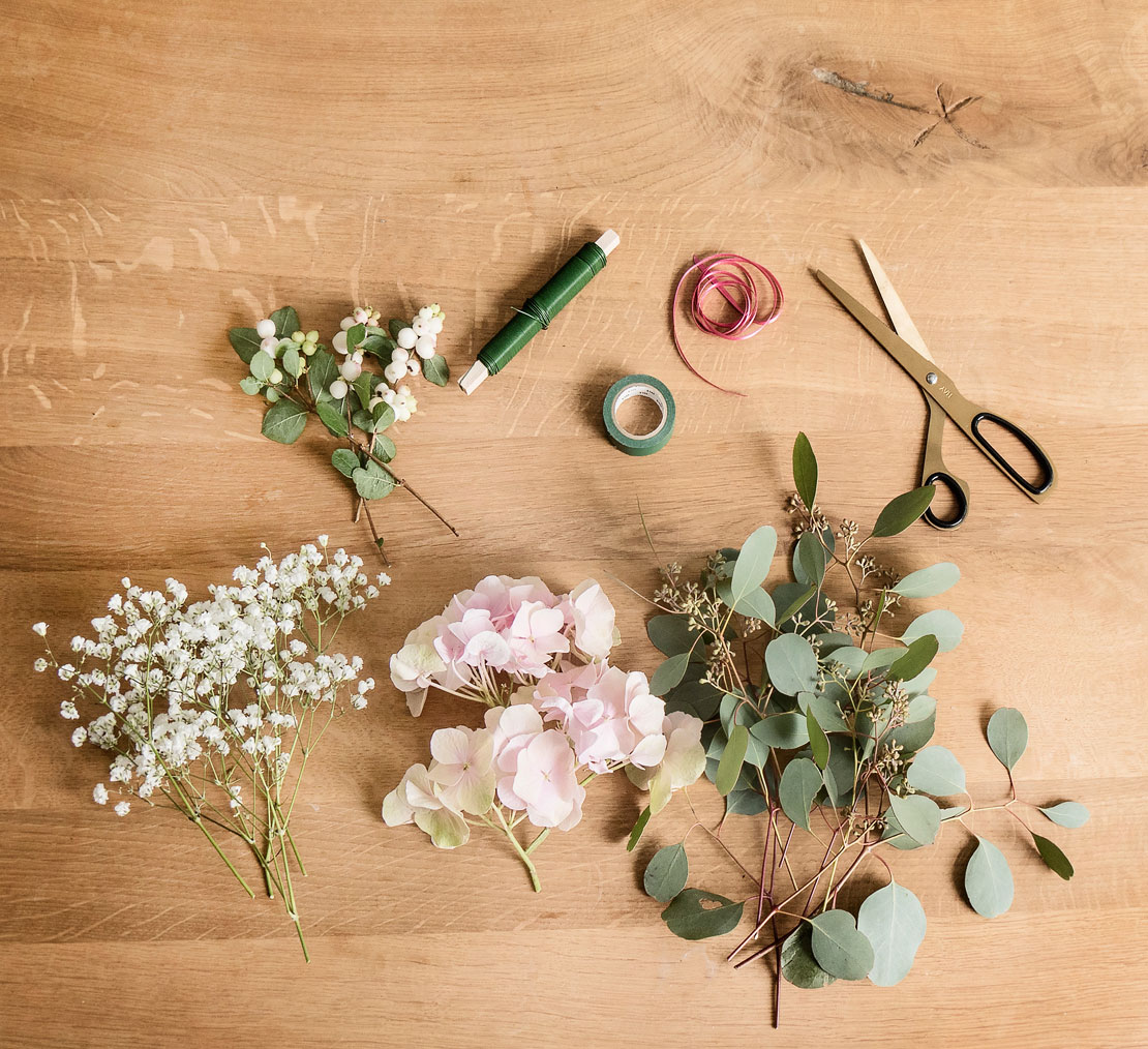 Materiales para hacer una corona de flores