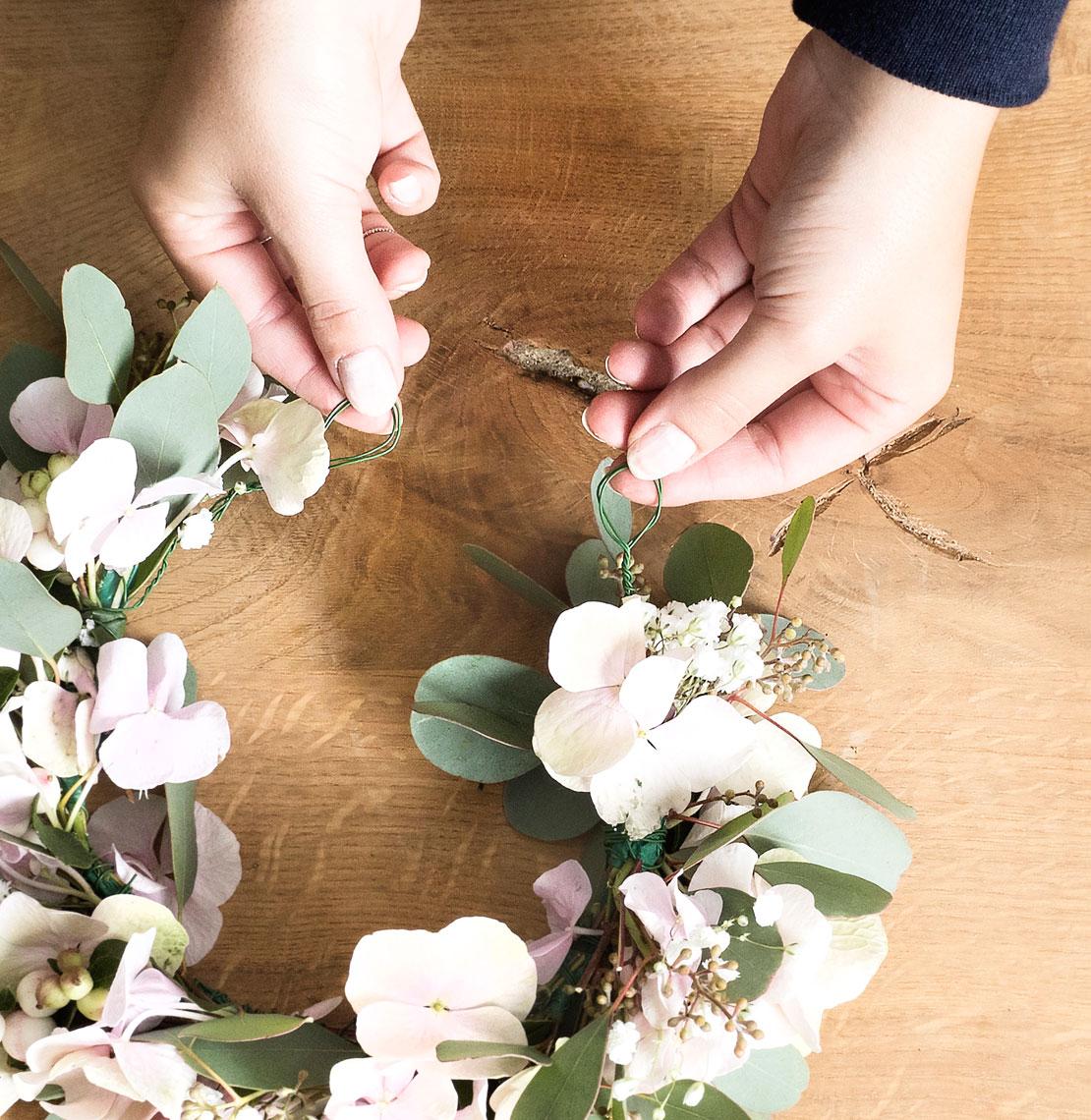 Cómo hacer una corona de flores