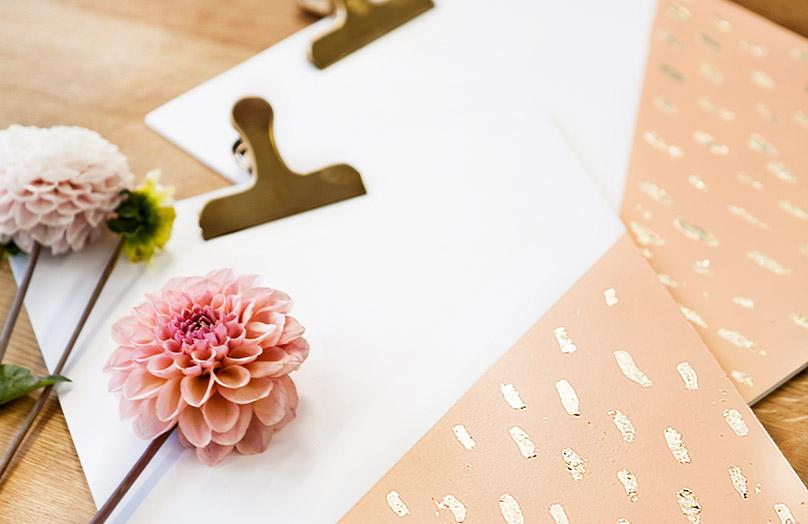 Portapapeles dorado DIY