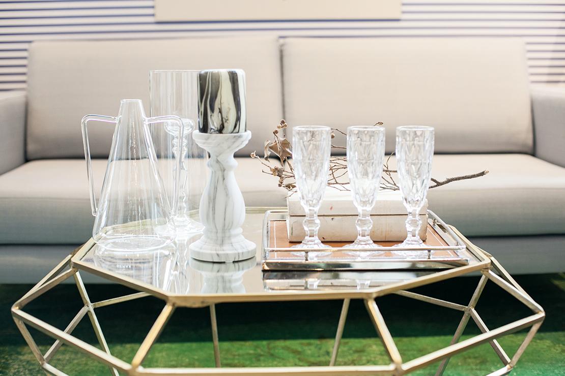 estilo glam para decorar la mesa del salón