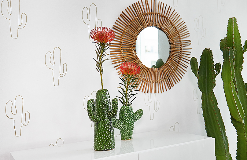 3 Looks - Cómo poner flores en un jarrón en forma de cactus