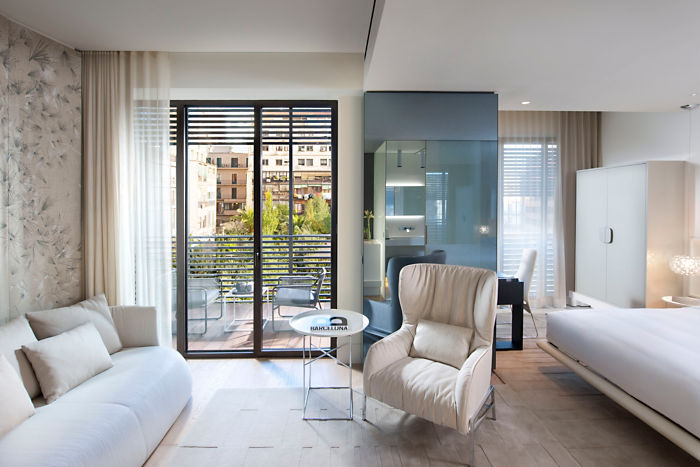 barcelona-room-mandarin-terrace-room-2