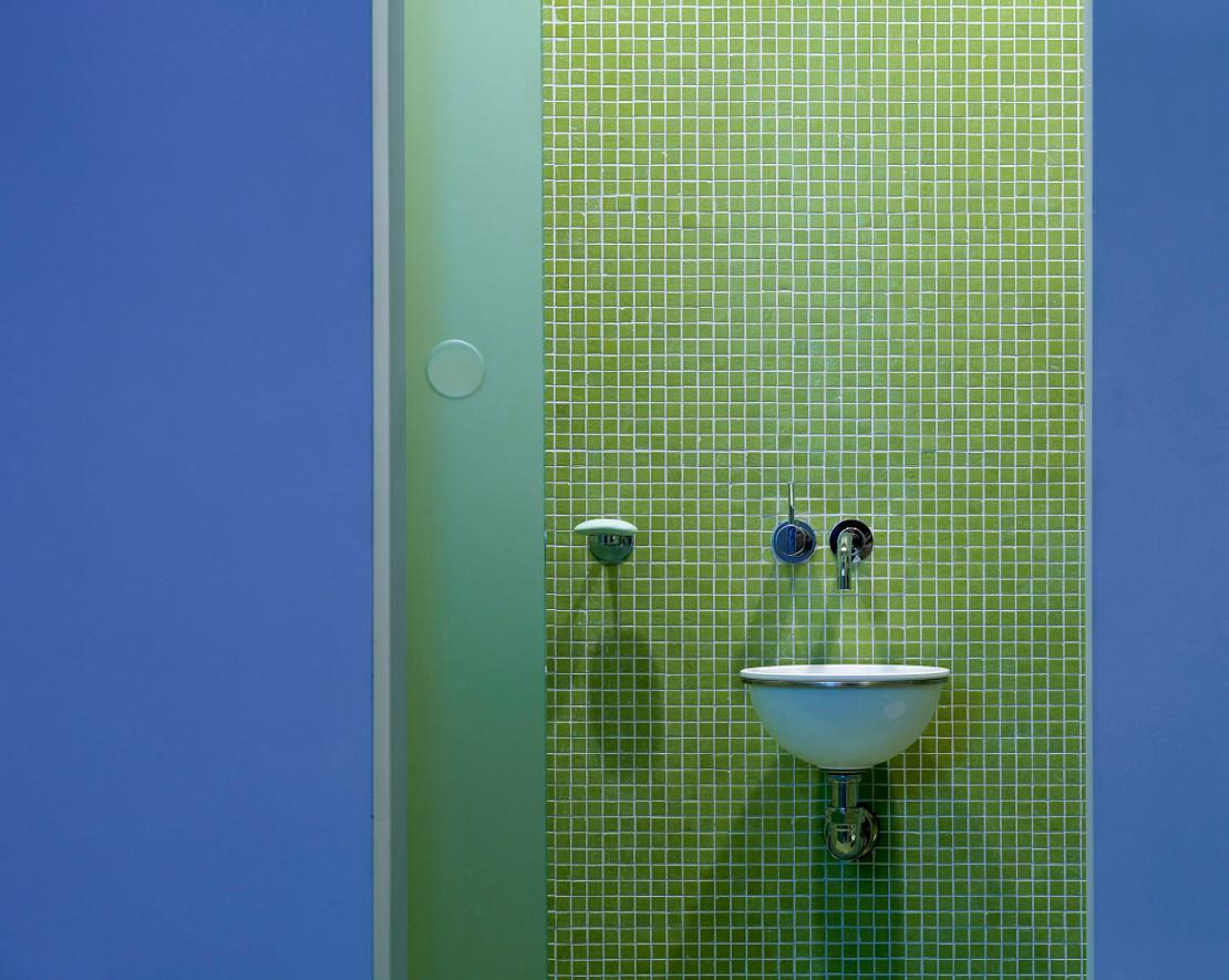 westwing-jade-bathroom