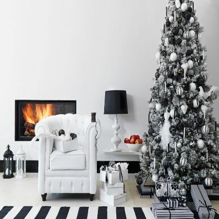 Comment bien décorer un sapin de Noël