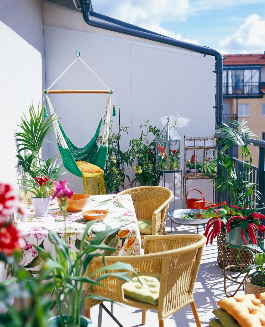 4 fa ons d habiller son balcon westwing magazine. Black Bedroom Furniture Sets. Home Design Ideas