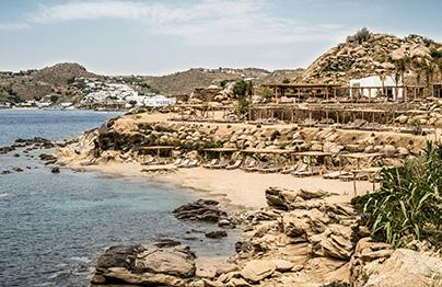 Décor bohème à Scorpios, Mykonos