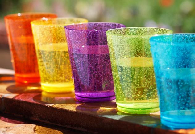 Colori quotidiani westwing magazine for Bicchieri colorati vetro