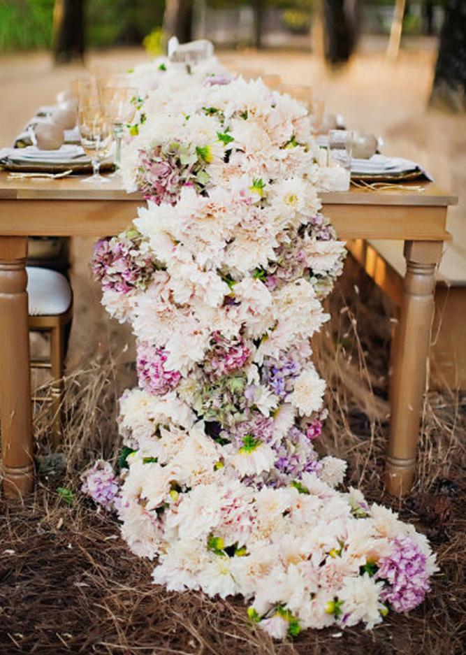 Centrotavola in fiore dalani magazine for Fiori piccoli bianchi