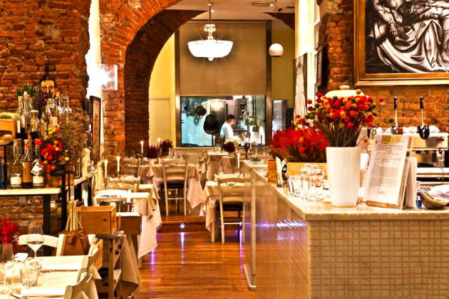 ristorante in rosso