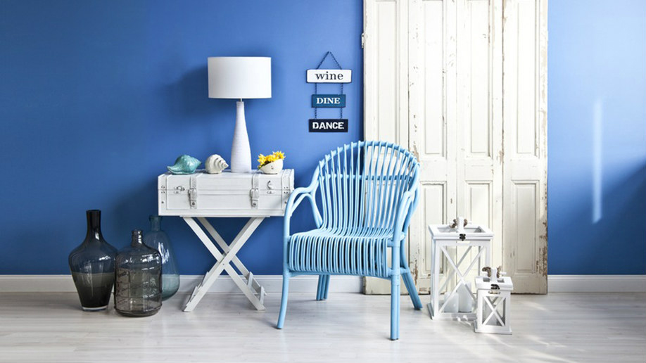 Casa blu colori estate 2016 arredare westwing magazine - Pareti blu camera da letto ...