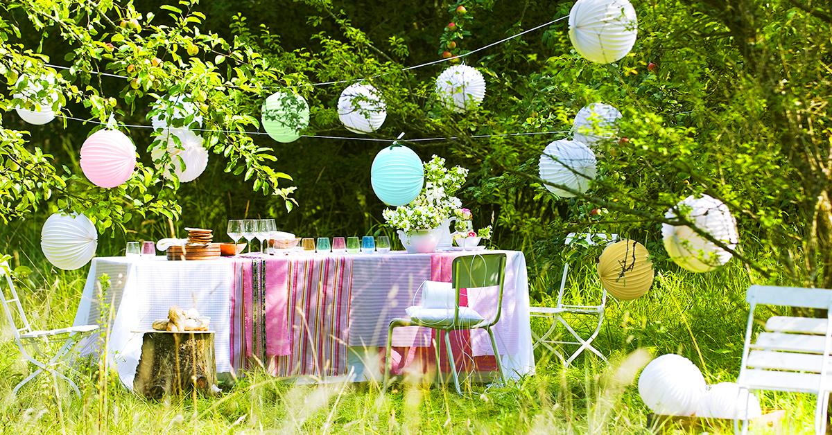 5 stili diversi per una festa in giardino westwing magazine - Idee decorazioni giardino ...