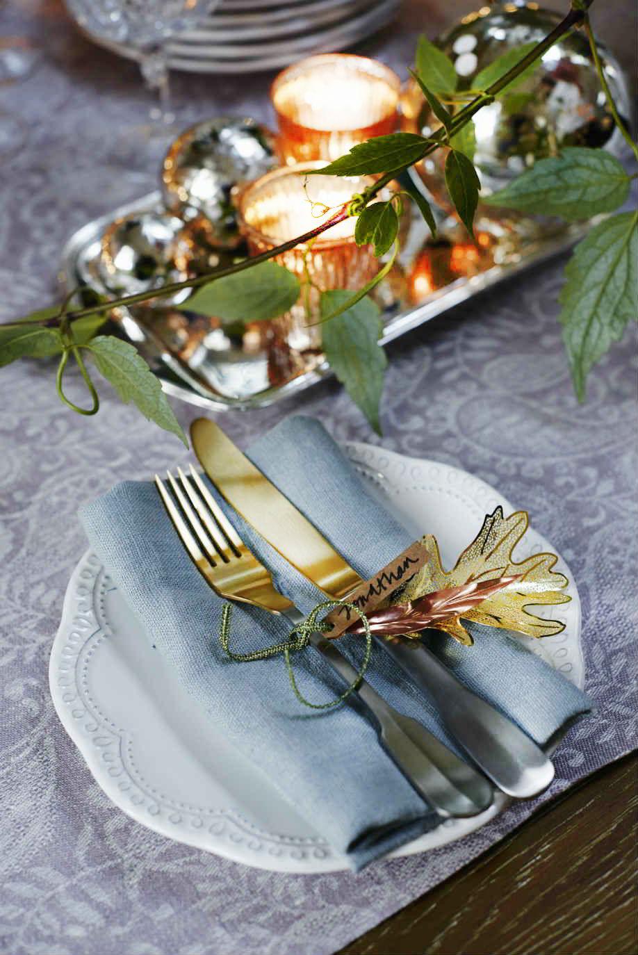 Come decorare la tavola di natale westwing magazine - Decorazioni tavola capodanno fai da te ...