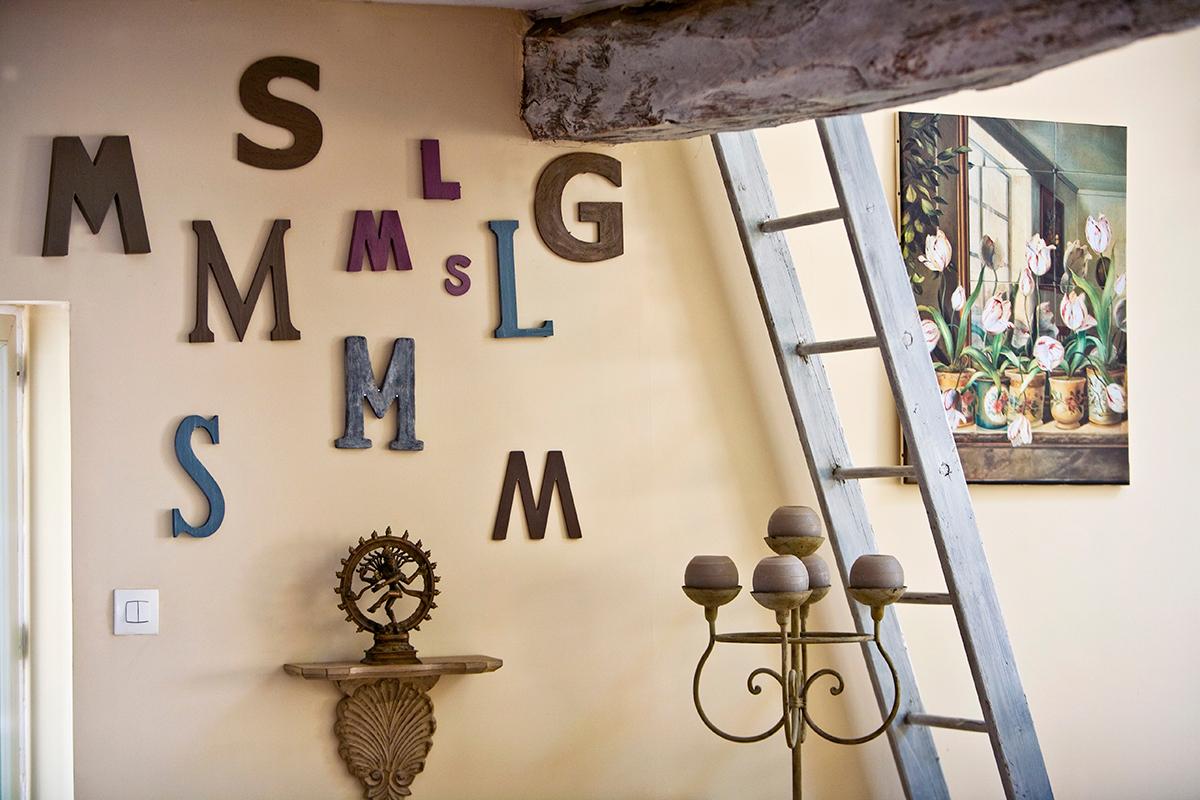 Lettere Di Legno Da Appendere : Lettering arredare con lettere e numeri westwing magazine